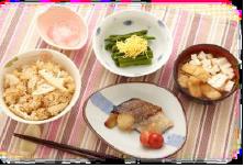大手食品メーカーの柔らか介護向け食材による昼食・夕食提供